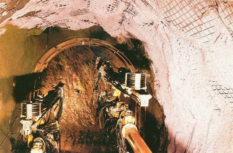 1988 - 1990 Κατασκευή Σήραγγας Φράγματος Μουζακίου